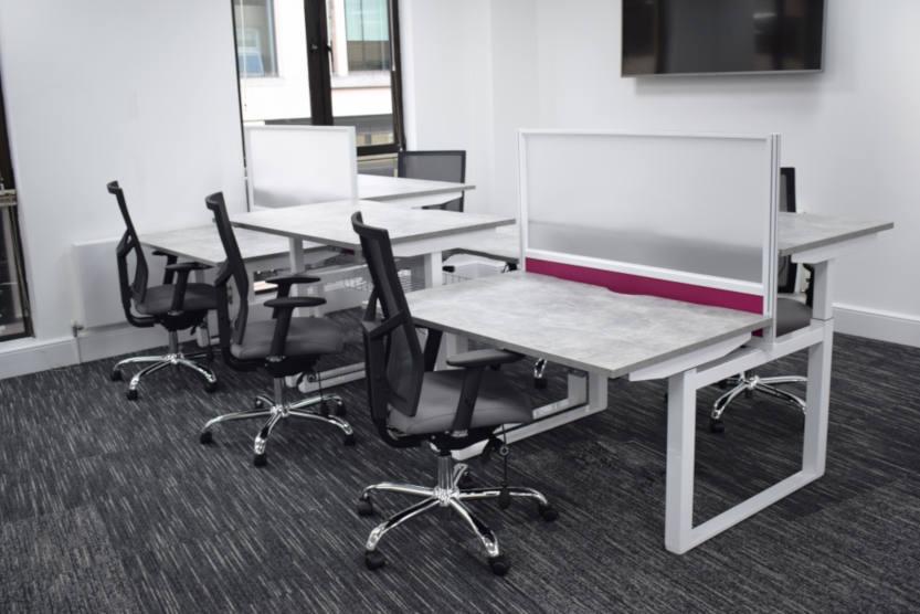 HiRise Desks 833x556