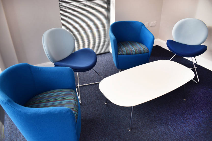 Office-furniture-installation-in-Maresfield-Susse